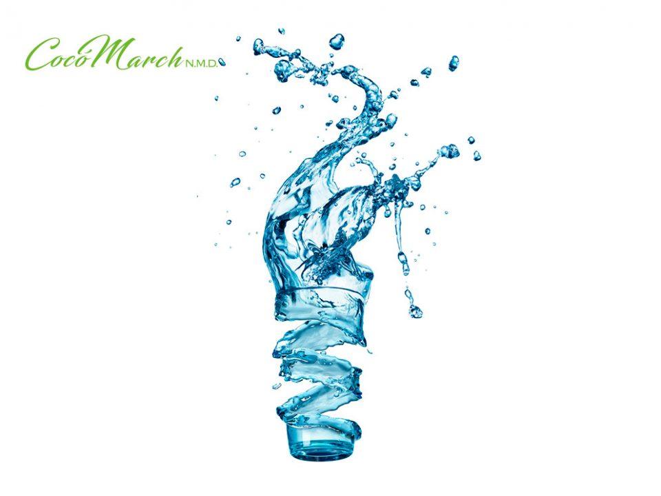 perder-peso-tomando-agua