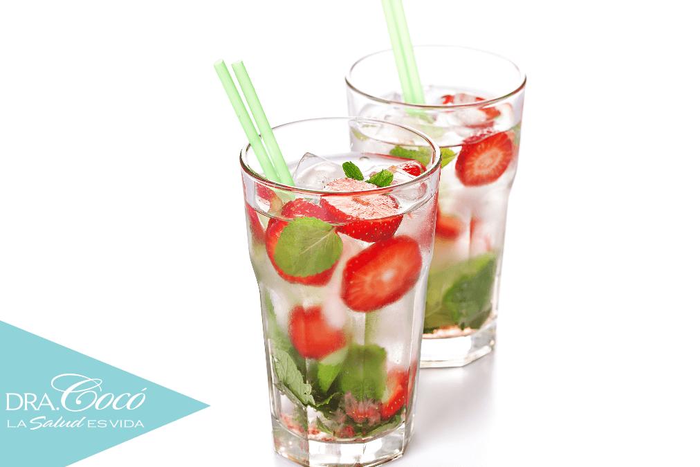 desintoxicar-tu-cuerpo-con-agua-fresas