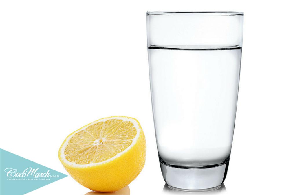 beneficios-de-tomar-agua-con-limón-en-ayunas