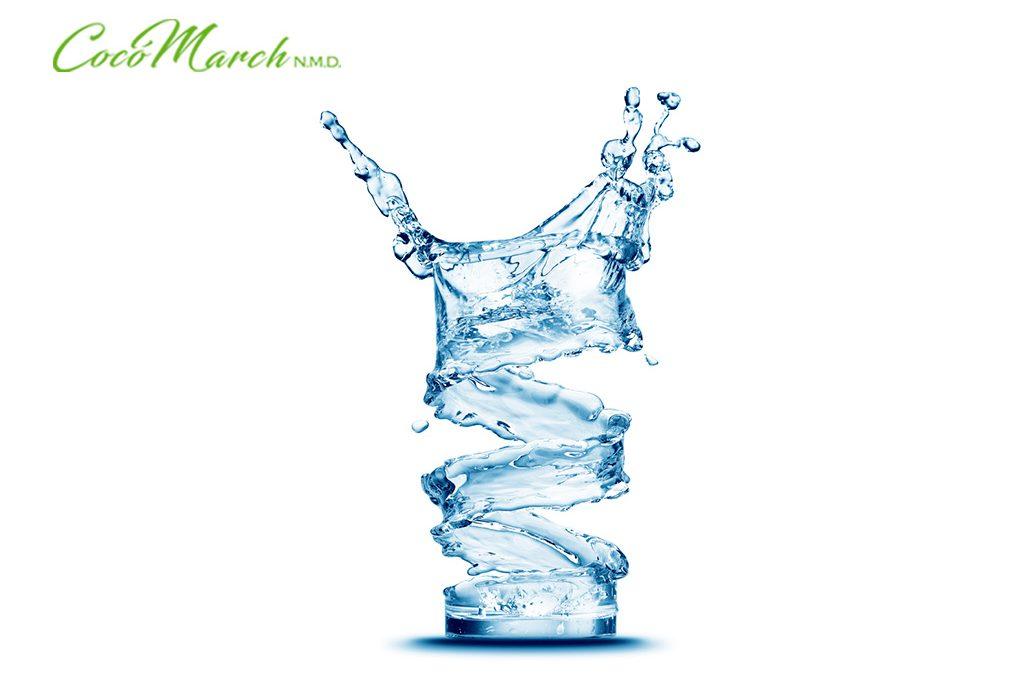 beneficios-de-tomar-agua-en-ayunas