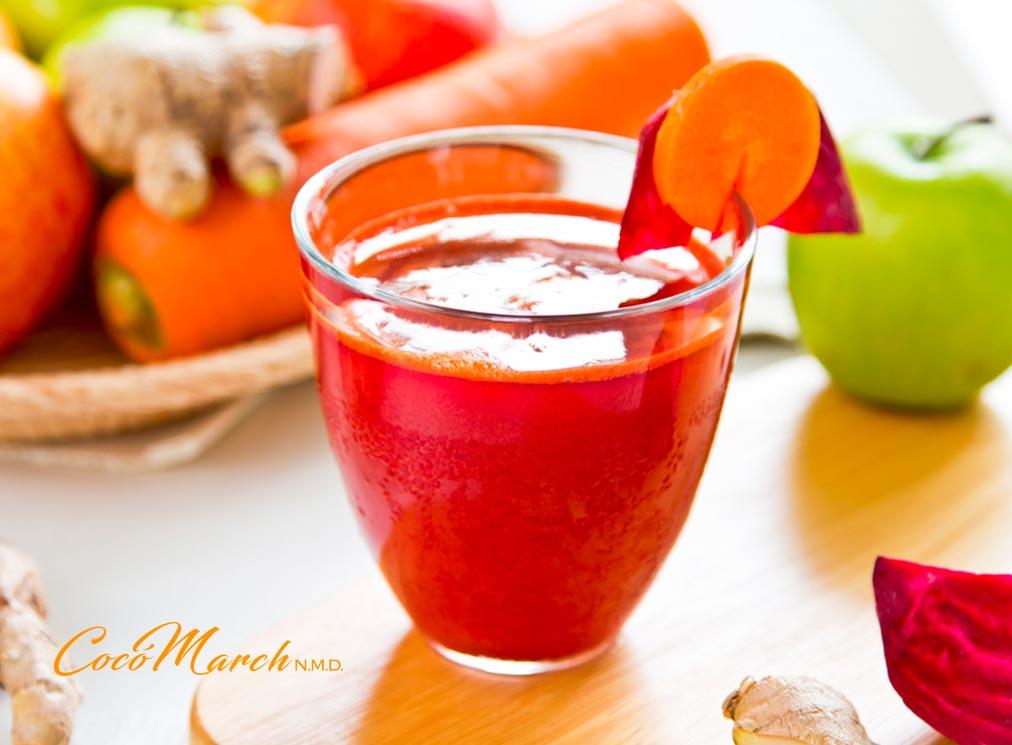cómo-se-prepara-el-jugo-de-remolacha-zanahoria-y-manzana